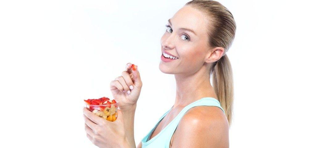 La Clínica Curull advierte de los graves riesgos para el organismo de las denominadas dietas exprés y, en concreto, sobre sus efectos en la salud bucodental.